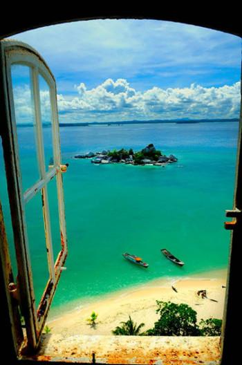 Lengkuas Island